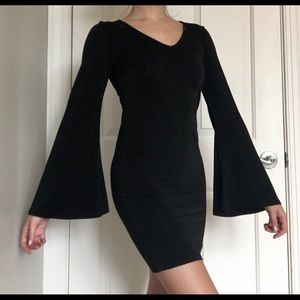 Nasty Gal XS Black skinny dress with Flare sleeves